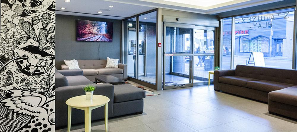 007 lobby