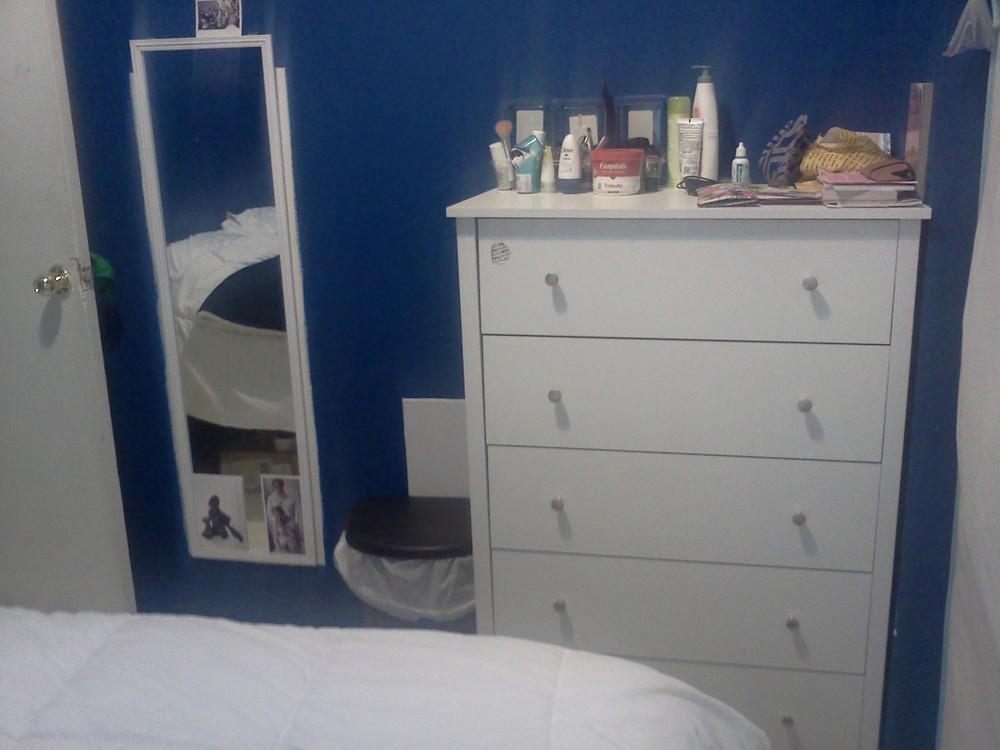 Blue room for rent 8