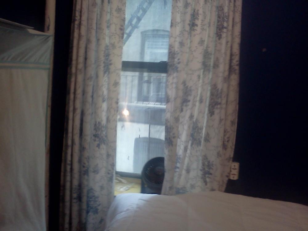 Blue room for rent 5