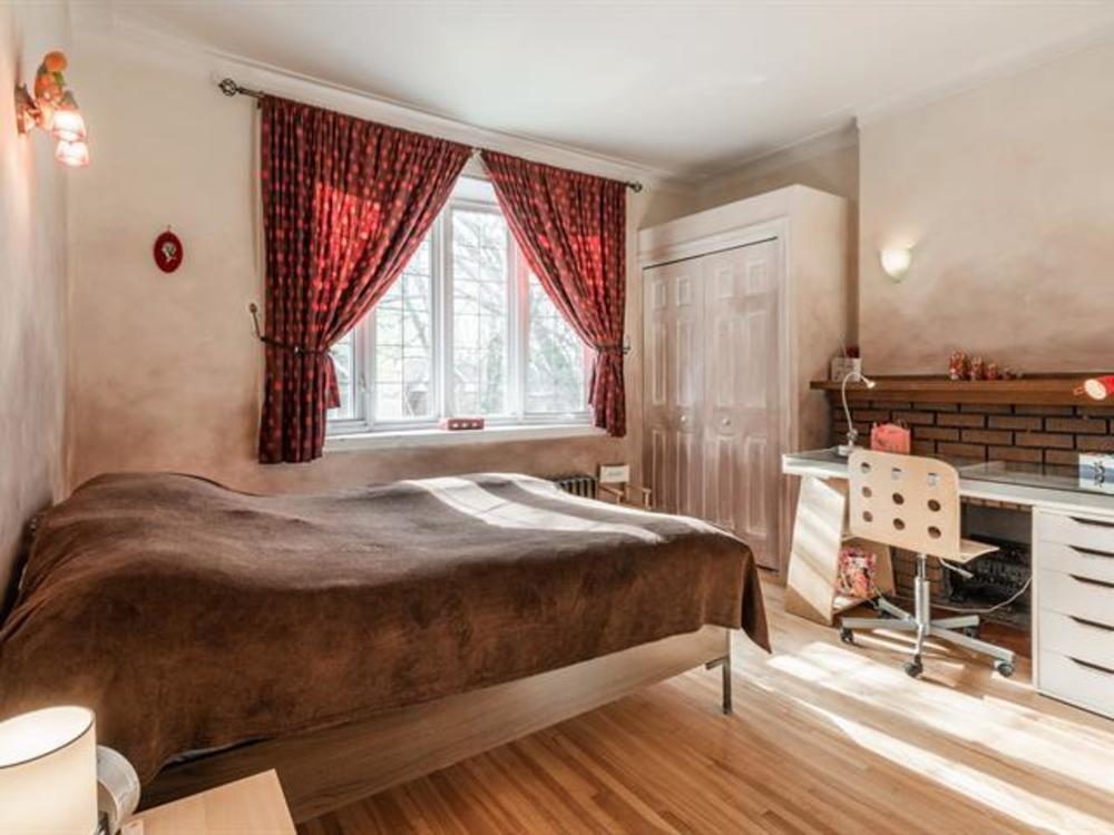 4 bedroom 2