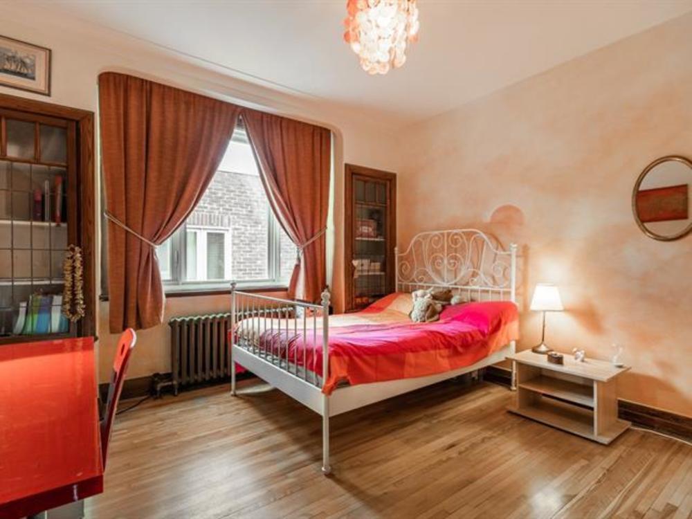 6 bedroom 4