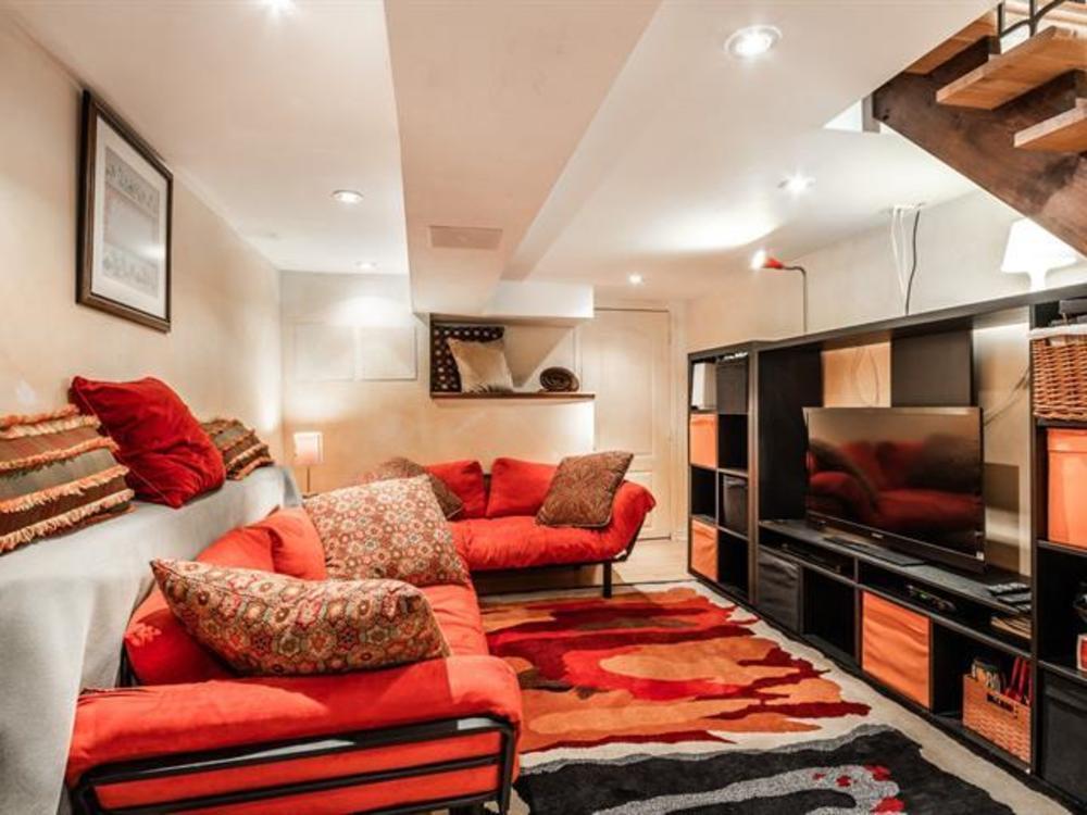 15 basement bedroom 8