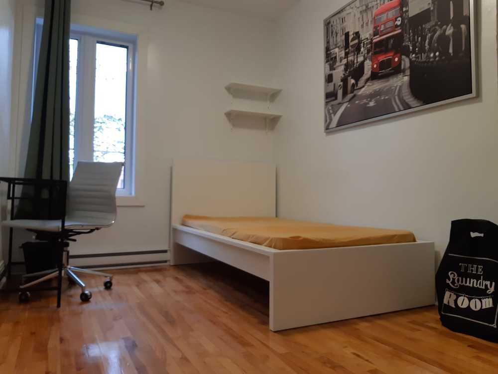 London bedroom2