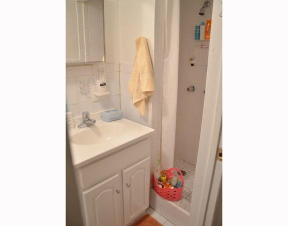 111 down bathroom3lc3f73he5g35fd5mdcbi981843e9f3501eac